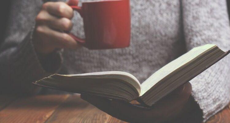 Зачем нужно читать книги: 6 основных причин